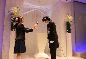 Lovely x Cation: Пластмассовый мир победил - VR оказался сильней
